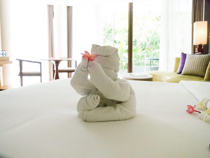 Beautiful towel arrangements on arrival